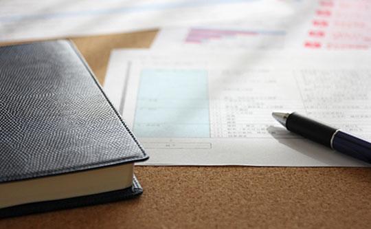 机と本と書類